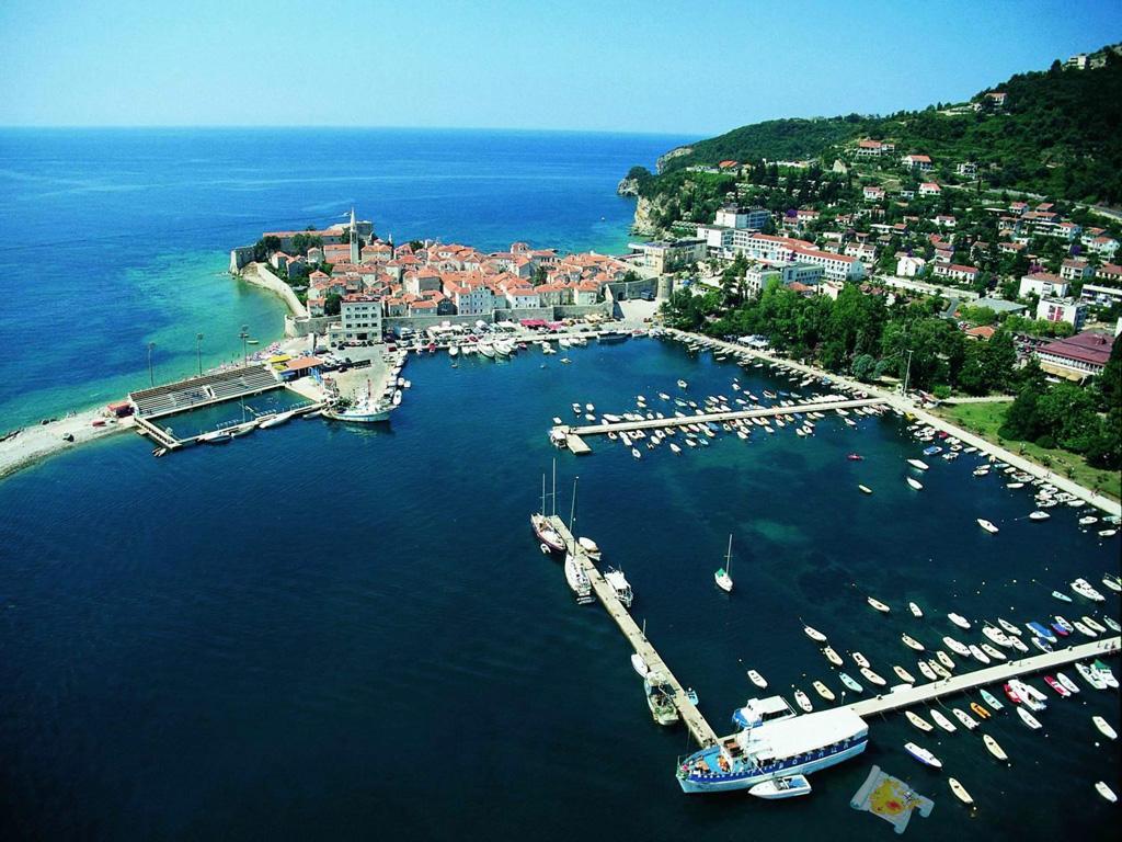 Недвижимость черногории на берегу моря